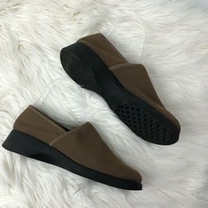 Whats what pull on loafers size 8